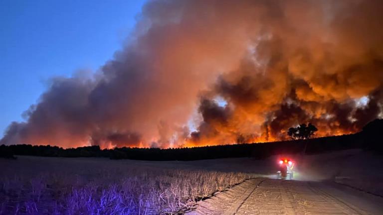 快速蔓延的丛林大火给佤族社区带来了恐惧