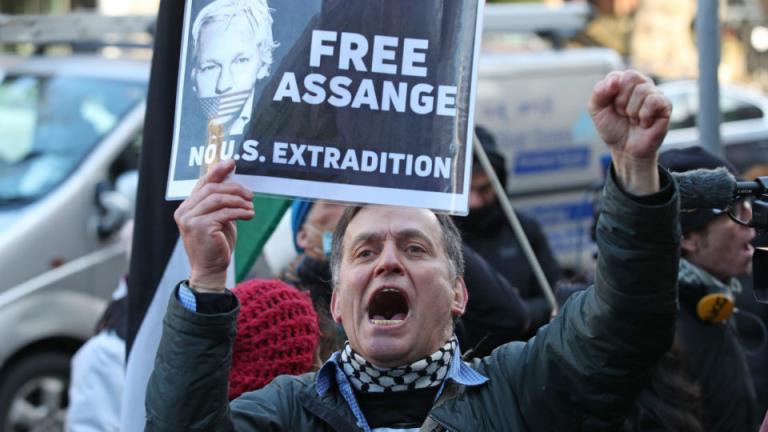 英国法院驳回朱利安·阿桑奇的保释申请