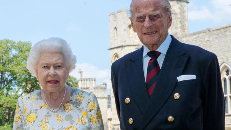女王和公爵通过接种疫苗树立了榜样