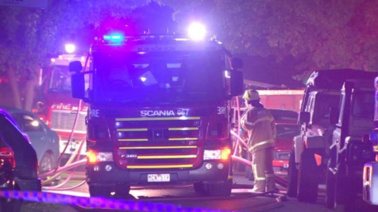 火灾夺走了墨尔本一名妇女和三个孩子的生命