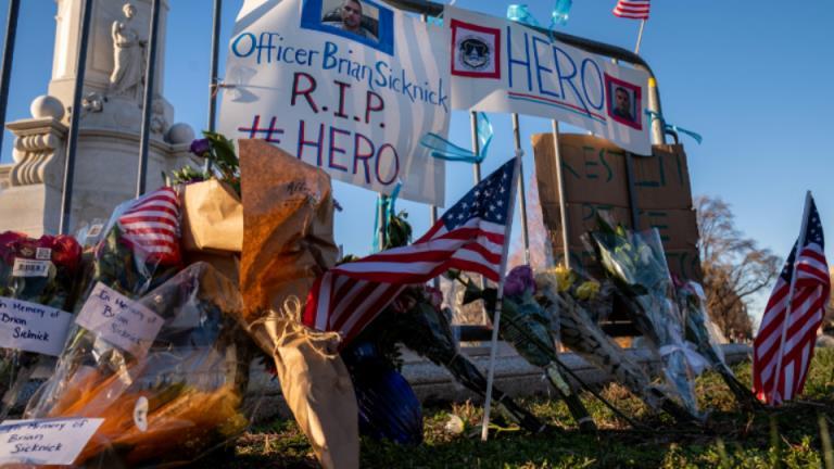 悲剧性的讽刺:被国会山暴徒杀害的警官是特朗普的支持者
