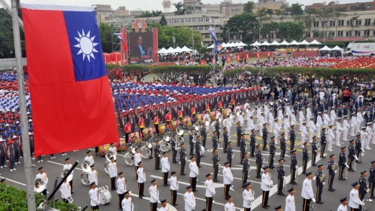 川普解除政府与台湾接触的禁令,给拜登制造麻烦