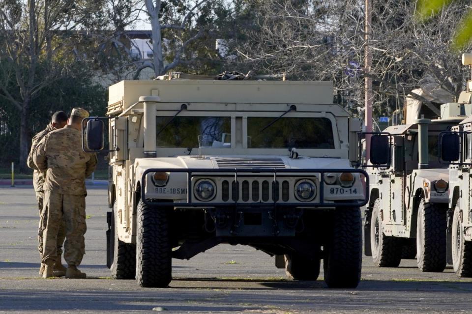 十几名美国国民警卫队成员与右翼民兵有关