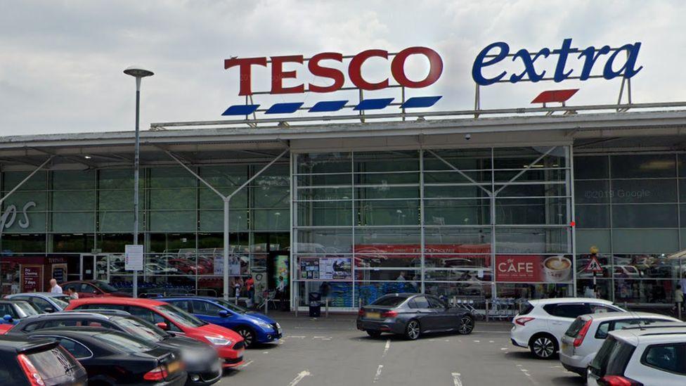 Tesco Extra, Talbot Green