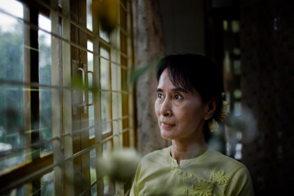 缅甸军方否认政变,承诺一年内举行新选举