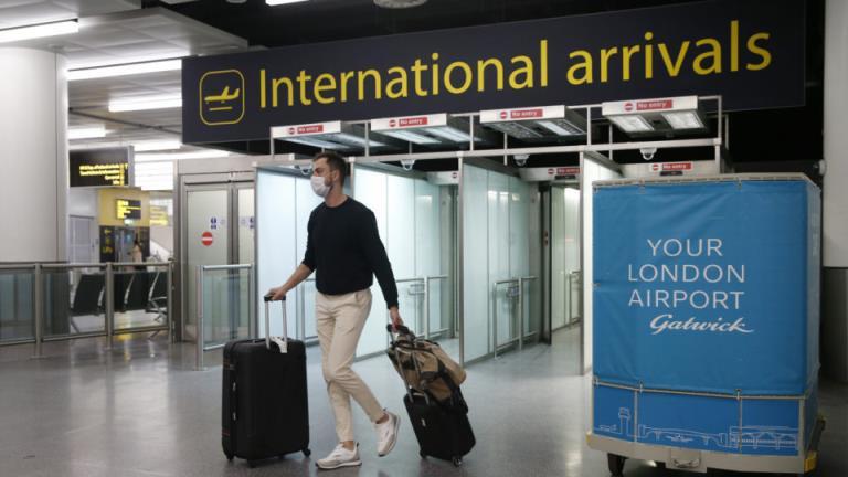抵达英国的旅客将面临高额的检疫费用