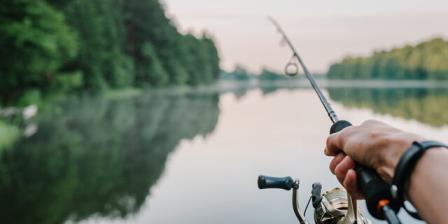 实时快报:康涅狄格捕鱼季节早期打开给垂钓者在大流行期间安全活动