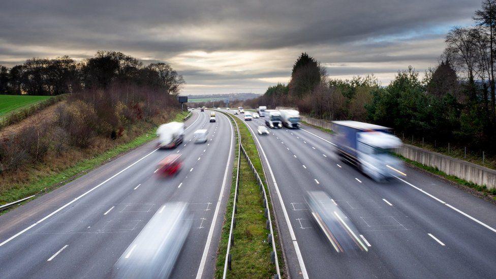 新冠肺炎:威尔士道路交通比第一次封锁时高出60%