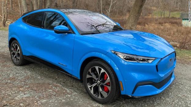 随着其电动汽车野心的增长,吉利正在投资46亿美元建设一个电池工厂