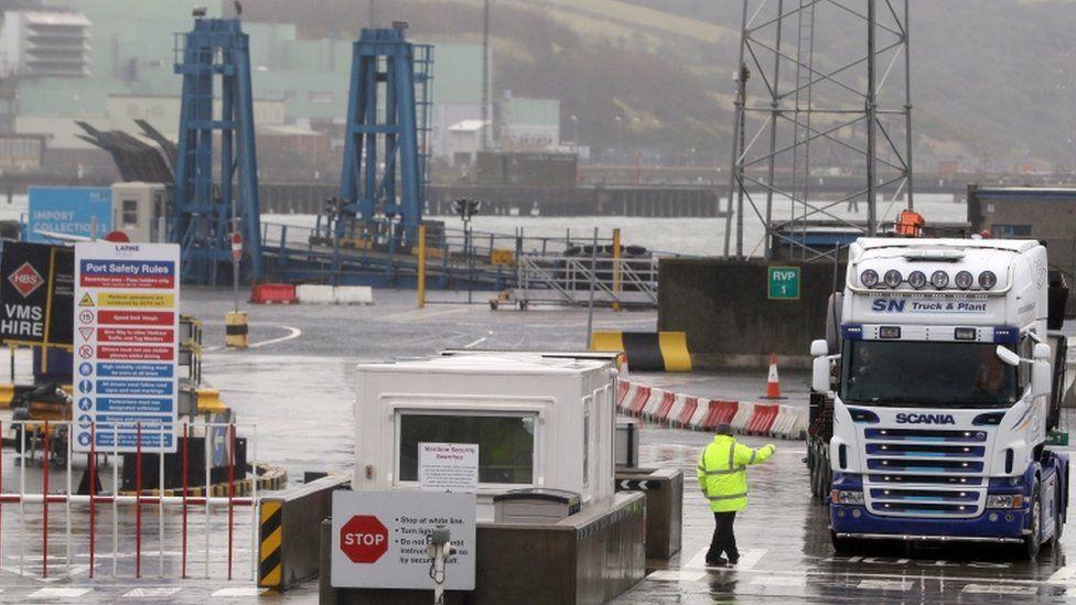 英国脱欧:出于安全考虑,倪港员工将返回