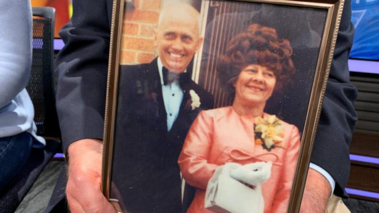 悬案突破:一名维多利亚男子因1989年兄弟姐妹谋杀案被捕