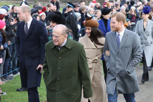 哈里在妻子梅根·马克尔的陪同下抵达伦敦参加菲利普亲王的葬礼