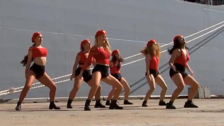 """""""不好看"""":达顿对海军电臀舞舞者的承认"""