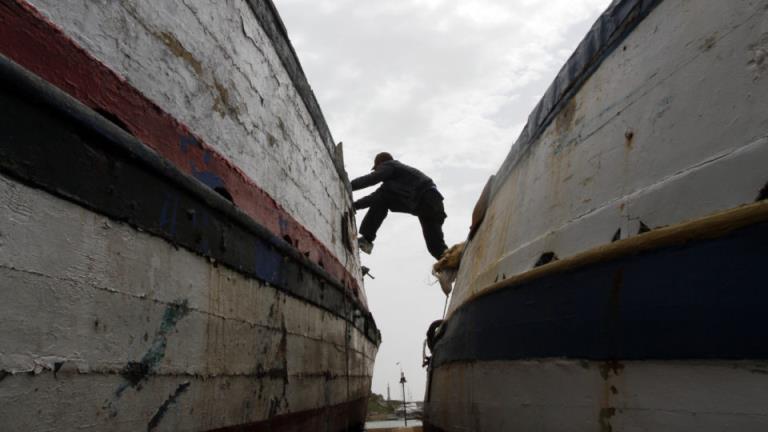 突尼斯船只沉没,41名移民死亡