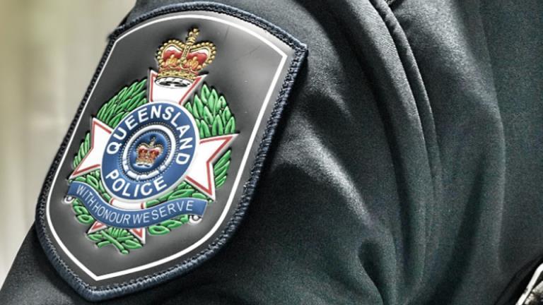 """昆士兰警方指控后院""""烧尽""""勋谋杀未遂"""