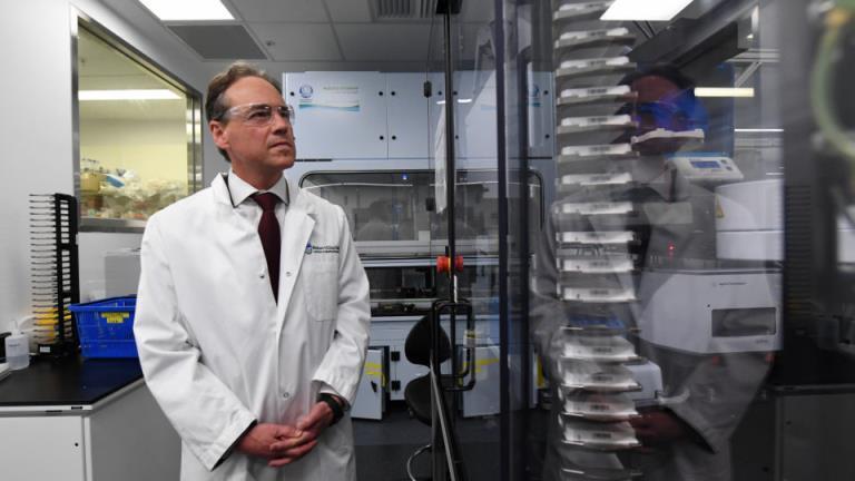 为什么澳大利亚还没有mRNA疫苗工厂?