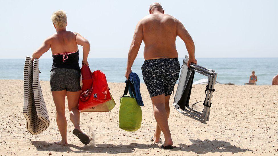 """旅游主管对""""幼稚""""的度假计划警告嗤之以鼻"""