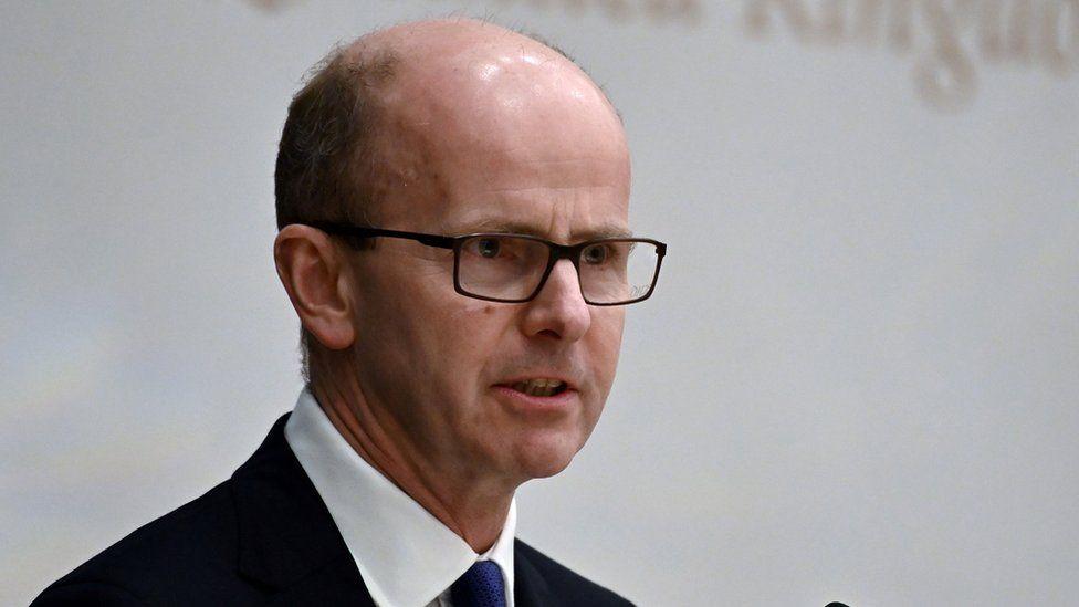"""英国政府通信总部(GCHQ)负责人警告称,科技行业面临""""清算时刻"""""""