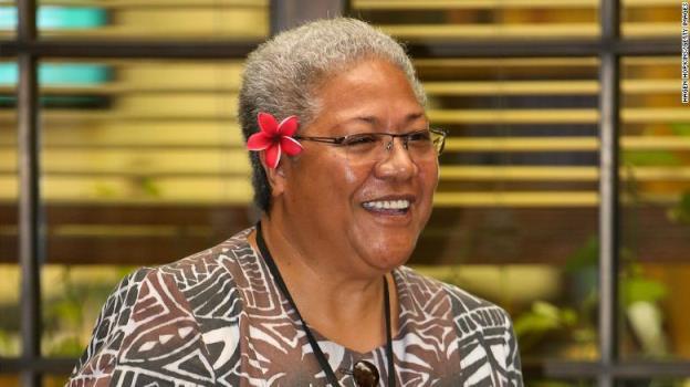 太平洋岛国首位女首相在帐篷里宣誓就职,她被议会拒之门外
