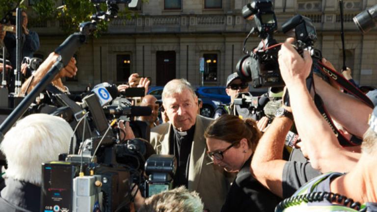 媒体因违反佩尔法庭禁言令而被责令赔偿