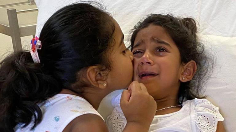 当比洛埃拉女孩在医院度过第一个晚上时,内政部长承受了越来越大的压力