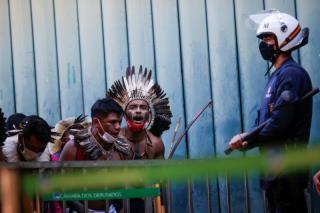 巴西原住民抗议削减土地权法案