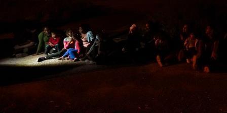 拜登政府悄悄地让6个团体挑选可以进入美国的寻求庇护者