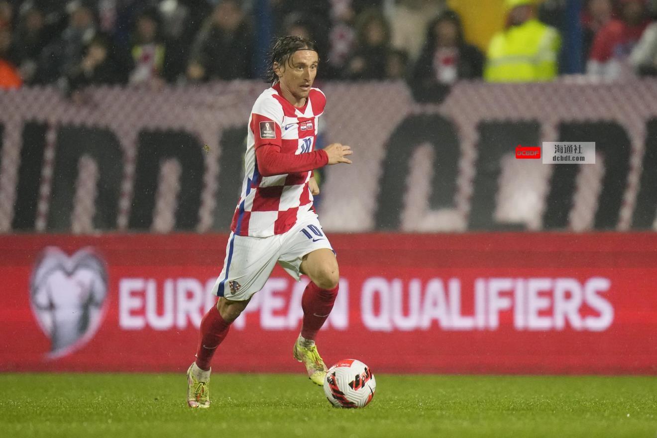 克罗地亚被斯洛伐克击败,俄罗斯在预选赛小组中排名第一