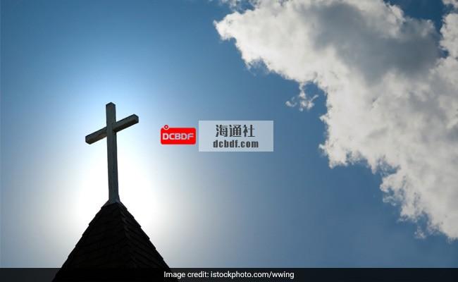 法国天主教会自1950年以来约有3000名恋童癖者:调查小组负责人