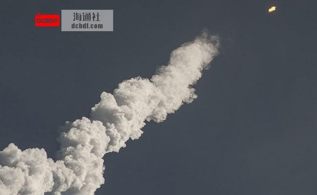 俄罗斯首次试射潜射高超音速导弹