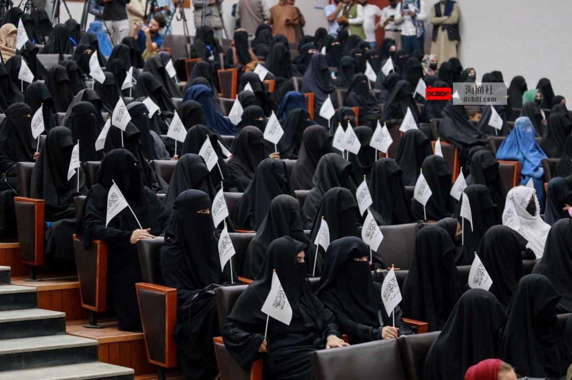 """联合国:塔利班将""""很快""""宣布女童教育框架"""
