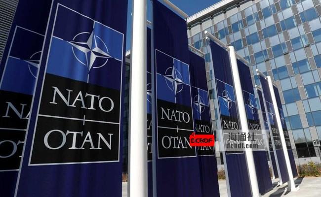 """北约驱逐俄罗斯驻北约使团的8名""""情报官员"""