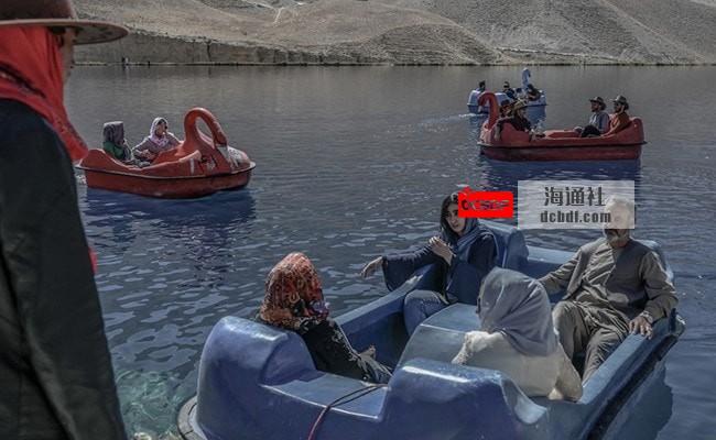 """蔚蓝水域、石灰岩悬崖:游客重返阿富汗""""大峡谷"""""""