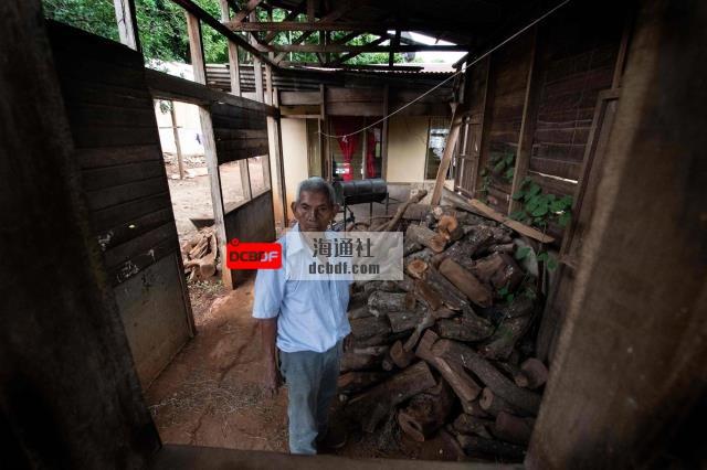 在哥斯达黎加的一个角落,人们生活在那里