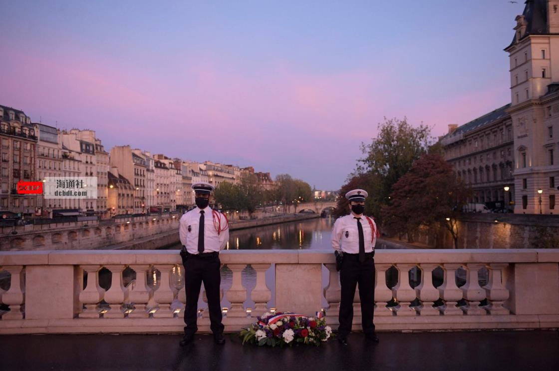 法国向在1961年大屠杀中被屠杀的阿尔及利亚人致敬